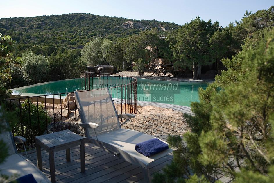 Europe/France/2A/Corse du Sud/ Murtoli: Domaine de Murtoli dans la vallée de l'Ortolo  sur le Golfe de Roccapina- Les anciennes  bergeries ont étées transformées en maison d'hôtes