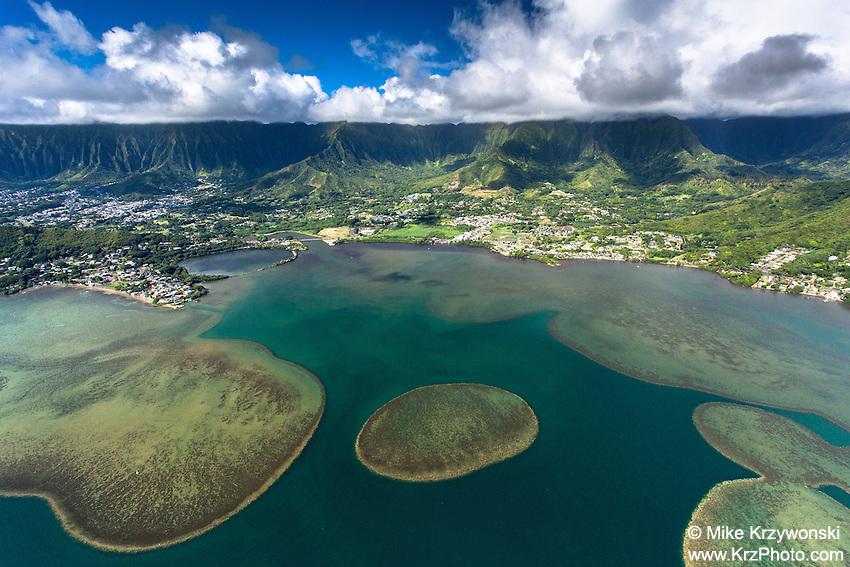 Aerial view of Kaneohe Bay at Kahalu'u, Oahu
