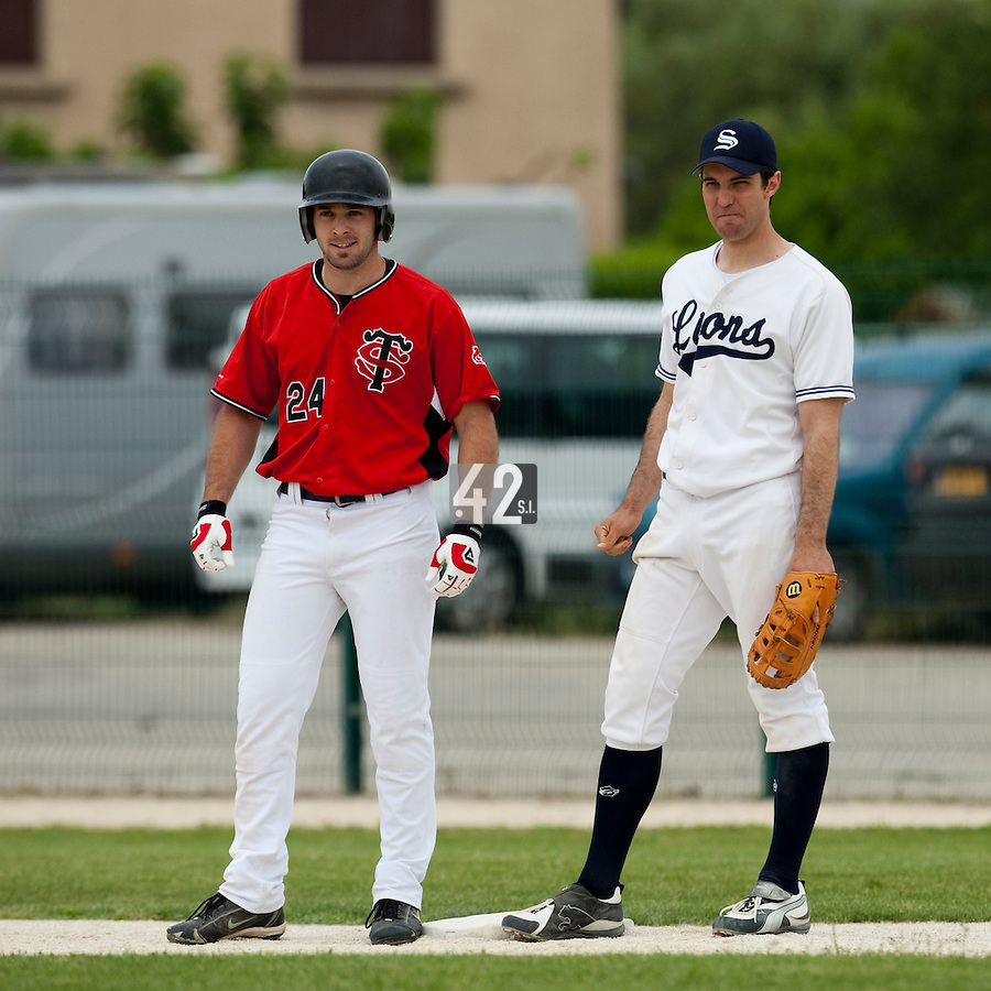 21 May 2009: Gaspard Fessy of Toulouse is seen next to Sebastien Boyer of Savigny during the 2009 challenge de France, a tournament with the best French baseball teams - all eight elite league clubs - to determine a spot in the European Cup next year, at Montpellier, France.