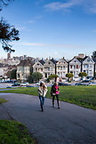 USA, California, San Francisco, NOPA, Alamo Park with views of the city and the painted ladies