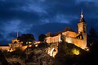 Europe/Europe/France/Midi-Pyrénées/46/Lot/Rocamadour:  le Château qui domine le village perché, vue nocturne