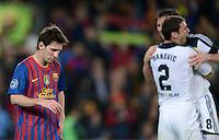FUSSBALL   CHAMPIONS LEAGUE SAISON 2011/2012   HALBFINALE   RUECKSPIEL        FC Barcelona - FC Chelsea       24.04.2012 Lionel Messi (li, Barca) ist enttaeuscht. Branislav Ivanovic (Mitte) und Frank Lampard (re, beide FC Chelsea) freuen sich