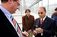 Nederland, Naaldwijk, 31 okt 2007.Grow  Group..Dr. Ibrahim Abouleish van Sekem, op bezoek bij Grow Group..Dr Ibrahim Abouleish, Sekem,  visits the Grow Group..Foto (c) Michiel Wijnbergh