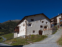 Guarda bei Scuol, Unterengadin, Graubünden, Schweiz, Europa<br /> house in Guarda, Scuol, Engadine, Grisons, Switzerland