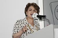 ATENCAO EDITOR: FOTO EMBARGADA PARA VEICULOS INTERNACIONAIS - SAO PAULO, 08 DE OUTUBRO DE 2012 - AGENDA GERALDO ALCKMIN - O governador Geraldo Alckmin lança a Rede de Atencao à Mulher Vítima de Violência Doméstica e Sexual no Estado de São Paulo e assina o Decreto de Criação da Coordenação de Políticas para a Mulher, no Hospital Perola Byington, região central da Capital Paulista, na manha dessa segunda-feira, 08 - Na foto a vice-prefeita de São Paulo, Alda Marco Antonio - FOTO LOLA OLIVEIRA - BRAZIL PHOTO PRESS