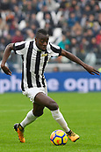 5th November 2017, Allianz Stadium, Turin, Italy; Serie A football, Juventus versus Benevento; Blaise Matuidi drives forward on the ball