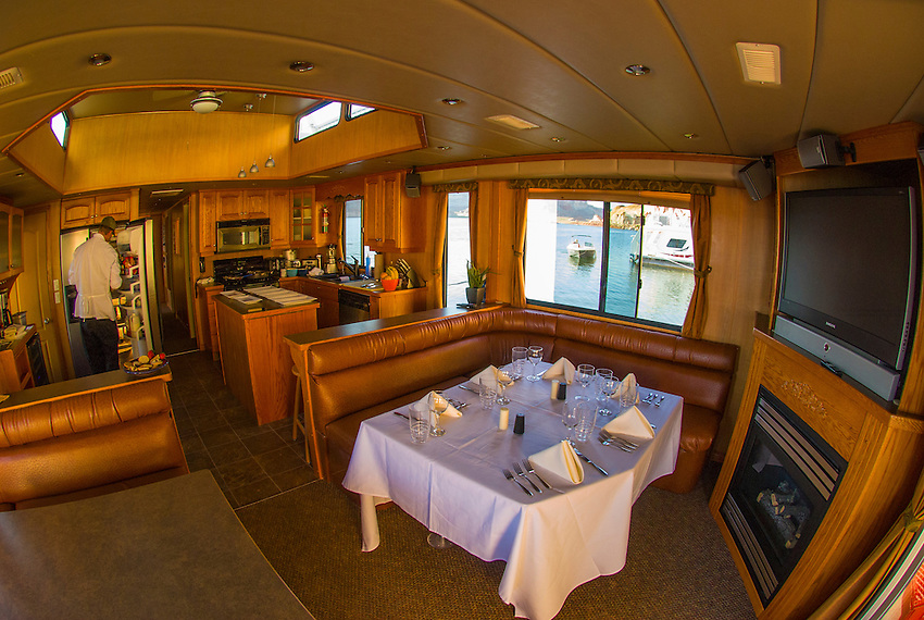 Interior Of A 75 Foot Luxury Class Houseboat Lake Powell Glen