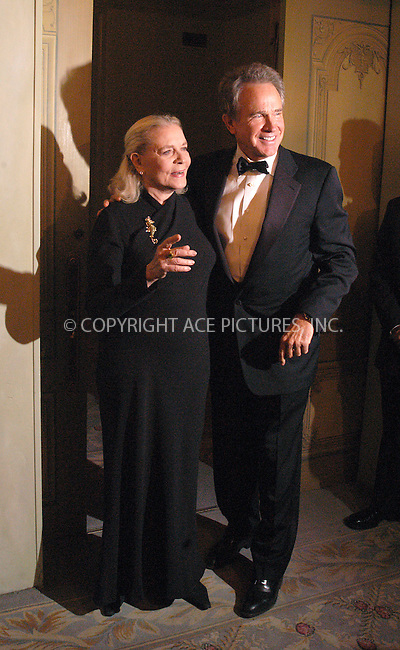 WWW.ACEPIXS.COM *** NO U.K. NEWSPAPERS SALES ***..NEW YORK, NOVEMBER 2004: Lauren Bacall and Warren Beatty. Please byline: R. BOCKLET-ACE PICTURES.   ..  ***  ..Ace Pictures, Inc:  ..contact: Alecsey Boldeskul (646) 267-6913 ..Philip Vaughan (646) 769-0430..e-mail: info@acepixs.com