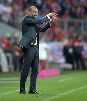 Fussball  1. Bundesliga  Saison 2013/2014   1. SPIELTAG FC Bayern Muenchen - Borussia Moenchengladbach       09.08.2013 Trainer Pep Guardiola (FC Bayern Muenchen) engagiert an der Seitenlinie