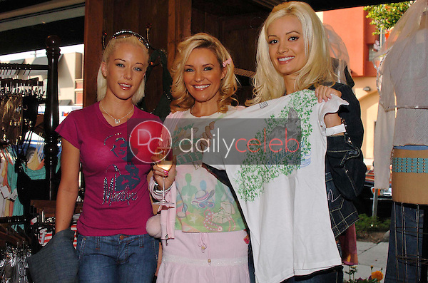 """Kendra Wilkinson with Bridget Marquardt and Holly Madison<br />at the Worldwide unveiling of the all new """"Fox Film Icons"""" clothing line. Lisa Kline, Los Angeles, CA. 02-02-06<br />Scott Kirkland/DailyCeleb.Com 818-249-4998"""