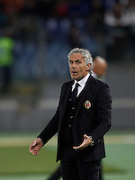 Calcio, Serie A: Roma vs Bologna. Roma, stadio Olimpico, 11 aprile 2016.<br /> Bologna coach Roberto Donadoni gives indications to his players during the Italian Serie A football match between Roma and Bologna at Rome's Olympic stadium, 11 April 2016.<br /> UPDATE IMAGES PRESS/Isabella Bonotto