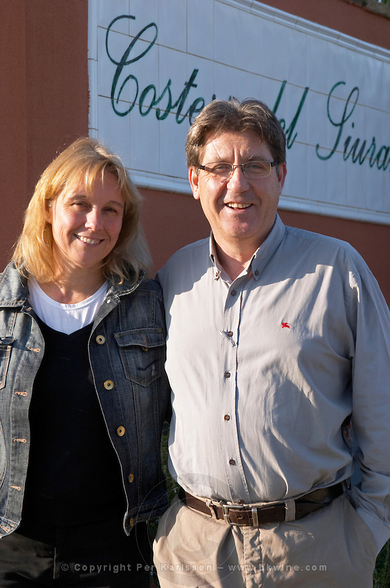 Carles Pastrana with his wife Jarque. Clos de l'Obac, Costers del Siurana, Gratallops, Priorato, Catalonia, Spain.
