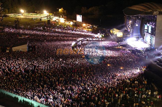 Slane Concert 2004.Madonna.Picture Fran Caffrey Newsfile.
