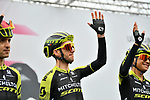 Mikel Nieve (ESP), Simon Yates (GBR) and Esteban Chaves (COL) Mitchelton-Scott at sign on before Stage 16 of the 2019 Giro d'Italia, running 194km from Lovere to Ponte di Legno, Italy. 28th May 2019<br /> Picture: Massimo Paolone/LaPresse | Cyclefile<br /> <br /> All photos usage must carry mandatory copyright credit (© Cyclefile | Massimo Paolone/LaPresse)