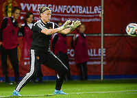 20150922 - LEUVEN ,  BELGIUM : Belgian goalkeeper Justien Odeurs  pictured during the female soccer game between the Belgian Red Flames and Bosnia and Herzegovina , the first game in the qualification for the European Championship in France 2017  , Thursday 22 September 2015 at Stadion Den Dreef  in Leuven , Belgium. PHOTO DAVID CATRY