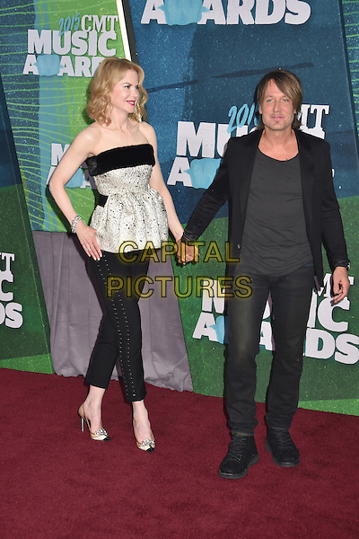 10 June 2015 - Nashville, Tennessee - Keith Urban, Nicole Kidman. 2015 CMT Music Awards held at Bridgestone Arena. <br /> CAP/ADM/LF<br /> &copy;Laura Farr/AdMedia/Capital Pictures