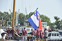SKUTSJESILEN: LANGWEER: 25-07-2013, SKS skûtsjesilen, De Friesevlag in top schipper Lodewijk Meeter en zijn bemanning, Huizum wint, ©foto Martin de Jong