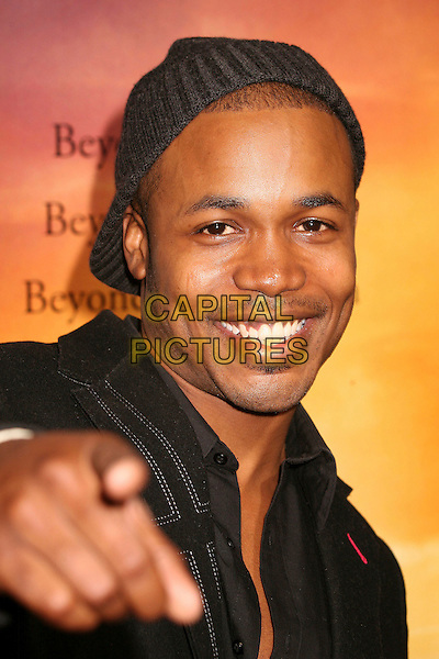 "SEAN RIGGS.""Stomp The Yard"" Los Angeles Premiere at Arclight Cinemas, Hollywood, California, USA, 8 January 2007..portrait headshot cap hat finger pointing hand.CAP/ADM/BP.©Byron Purvis/AdMedia/Capital Pictures."