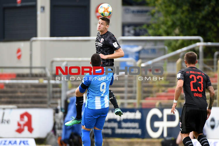 28.06.2020, Hänsch-Arena, Meppen, GER, 3.FBL, SV Meppen vs. FC Ingolstadt 04 <br /> <br /> im Bild<br /> Stefan Kutschke (FC Ingolstadt 04, 30) und Deniz Undav (SV Meppen, 9) im Kopfballduell.<br /> <br /> DFL REGULATIONS PROHIBIT ANY USE OF PHOTOGRAPHS AS IMAGE SEQUENCES AND/OR QUASI-VIDEO<br /> <br /> Foto © nordphoto / Paetzel