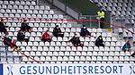 FussballFussball: agnph001:  1. Bundesliga Saison 2019/2020 27. Spieltag 23.05.2020<br /> SC Freiburg - SV Werder Bremen<br /> Die Ersatzspieler des SC Freiburg sitzen mit Abstand auf der Tribuehne im Gesundheitsresort<br /> FOTO: Markus Ulmer/Pressefoto Ulmer/ /Pool/gumzmedia/nordphoto<br /> <br /> Nur für journalistische Zwecke! Only for editorial use! <br /> No commercial usage!
