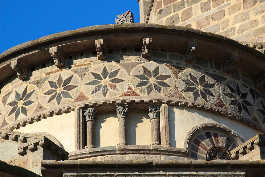 France, Puy-de-Dôme,Saint-Nectaire, l'église Saint-Nectaire, détail du chevet // France, Puy de Dome,St Nectaire, St Nectaire church, detail of the apse