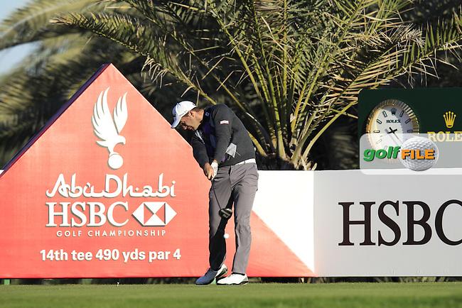 Ricardo Santos (POR) tees off the 14th tee during Friday's Round 2 of the Abu Dhabi HSBC Golf Championship at Abu Dhabi Golf Club, 18th January 2013 (Photo Eoin Clarke/www.golffile.ie)