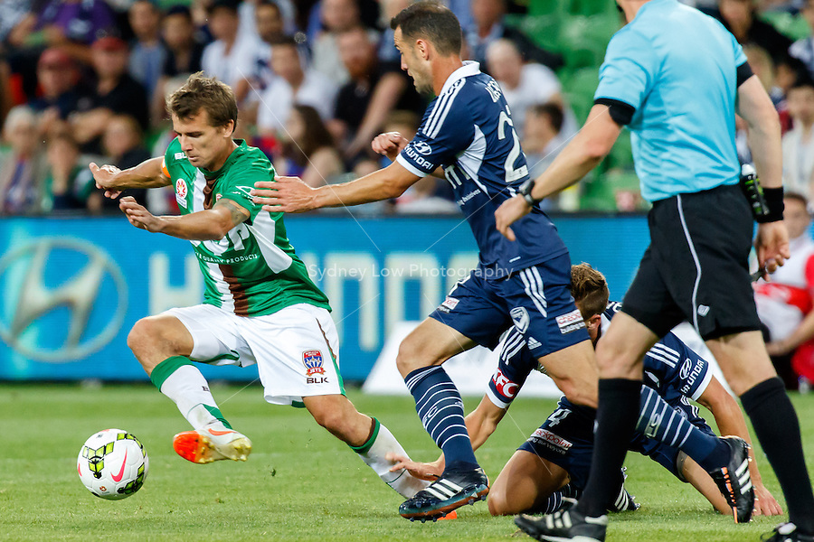 Joel GRIFFITHS (9) of the Jets controls the ball in round 12 A-League match between Melbourne Victory and Newcastle Jets at AAMI Park in Melbourne, Australia during the 2014/2015 Australian A-League season. Melbourne def Newcastle 1-0