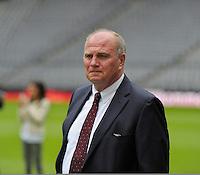 MUNIQUE, ALEMANHA, 24 JUNHO 2013 - APRESENTAÇÃO PEP GUARDIOLA - Ulli Hoeness presidente do Bayern de Munique na Allianz Arena em Munique na Alemanha, nesta segunda-feira, 24. (Foto: Bernd Feil / Pixathlon / Brazil Photo Press).