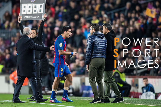 Luis Suarez of FC Barcelona is sent off during their Copa del Rey 2016-17 Semi-final match between FC Barcelona and Atletico de Madrid at the Camp Nou on 07 February 2017 in Barcelona, Spain. Photo by Diego Gonzalez Souto / Power Sport Images
