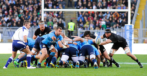 12.11.2016. Stadio Olimpico, Rome, Italy. Autumn International Rugby. Italy versus New Zealand. Italy takes the scrum ball