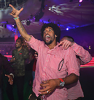 10.05.2014, Postpalast, Muenchen, GER, 1. FBL, FC Bayern Muenchen Meisterfeier, im Bild Dante of FC Bayern Muenchen celebrates Dante, // during official Championsparty of Bayern Munich at the Postpalast in Muenchen, Germany on 2014/05/11. EXPA Pictures © 2014, PhotoCredit: EXPA/ Eibner-Pressefoto/ EIBNER<br /> <br /> *****ATTENTION - OUT of GER***** <br /> Football Calcio 2013/2014<br /> Bundesliga 2013/2014 Bayern Campione Festeggiamenti <br /> Foto Expa / Insidefoto