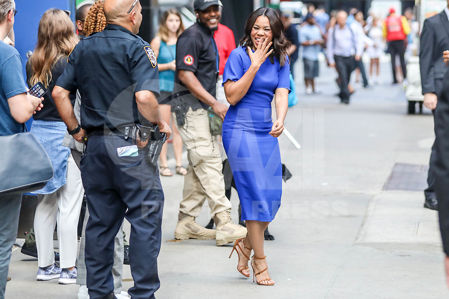 NEW YORK, EUA, 18.07.2017 - REGINA-HALL - A atriz Regina Hall é vista na região da Times Square em New York nesta terça-feira, 18. (Foto: Vanessa Carvalho/Brazil Photo Press/Folhapress)