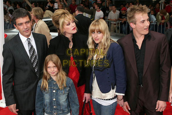 "ANTONIO BANDERAS, MELANIE GRIFFITH, STELLA, DAKOTA & ALEXANDER.""The Legend Of Zorro"" Premiere held at the Orpheum Theater, Los Angeles, California..October 16th, 2005  .Photo Credit: Zach Lipp/AdMedia/Capital Pictures.Ref: ZL/ADM/CAP.half length married couple family husband wife son daughters siblings.www.capitalpictures.com.sales@capitalpictures.com.© Capital Pictures."