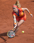 Svetlana Kuznetsova (RUS) splits the first two sets against Petra Kvitova (CZE) at Roland Garros
