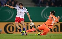 FUSSBALL   DFB POKAL   SAISON 2013/2014   2. HAUPTRUNDE Hamburger SV - SpVgg Greuther Fuerth                 24.09.2013 Heiko Westermann (li, Hamburger SV) gegen Tim Sparv (re, Fuerth)