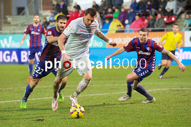 Atletico de Madrid crotatian foward Mario Mandzukic during the league football match with Atletico de Madrid vs Eibar CF at the Ipurua stadium in Eibar on Jaunary 31, 2015. Rafa Marrodan / Photocall3000.