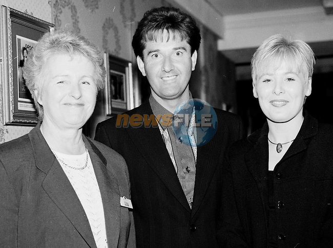 Nuala Synnott and Gillian Kelly Earth Staff with Daniel O'Donnell in the West Court Hotel before his show...Pic Fran Caffrey