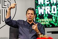 """NOVA YORK, EUA, 29.11.2018 - EUA-HADDAD - O candidato derrotado nas eleições presidenciais do Brasil, Fernando Haddad durante o Fórum """"O Que Deu Errado Quando o Brasil Estava Certo?"""" na sede do The People's Forum na ilha de Manhattan na cidade de Nova York nos Estados Unidos na noite desta quinta-feira, 29. (Foto: Vanessa Carvalho/Brazil Photo Press)"""
