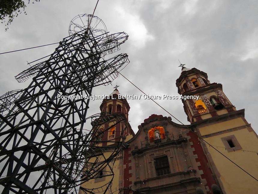 Querétaro, 12 de diciembre 2014. Aspectos de los festejos guadalupanos en el templo de la Congregación, ubicado en la esquina de Pasteur y 16 de septiembre. Foto: Alejandra L. Beltrán / Obture Press Agency.
