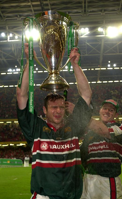 Photo: Richard Lane..Leicester Tigers v Munster. Heineken Cup Final at the Millennium Stadium. 25/05/2004..Geordan Murphy and Tim Stimpson celebrate victory.