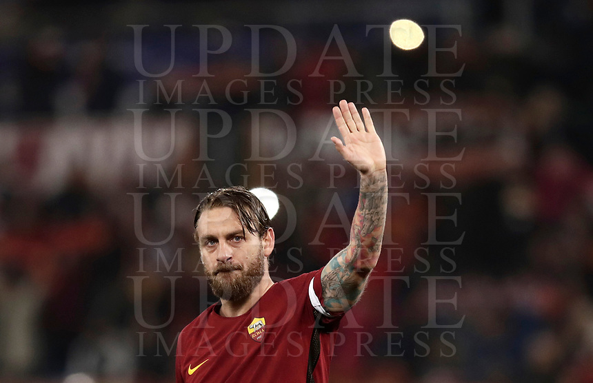Football Soccer: UEFA Champions League  Round of 16 Second Leg, AS Roma vs FC Shakhtar Donetsk, Stadio Olimpico Rome, Italy, March 13, 2018. <br /> Roma's Captain Daniele De Rossi celebrates after winning 1-0 the Uefa Champions League football soccer match between AS Roma and FC Shakhtar Donetsk, at at Rome's Olympic stadium, March 13, 2018.<br /> UPDATE IMAGES PRESS/Isabella Bonotto