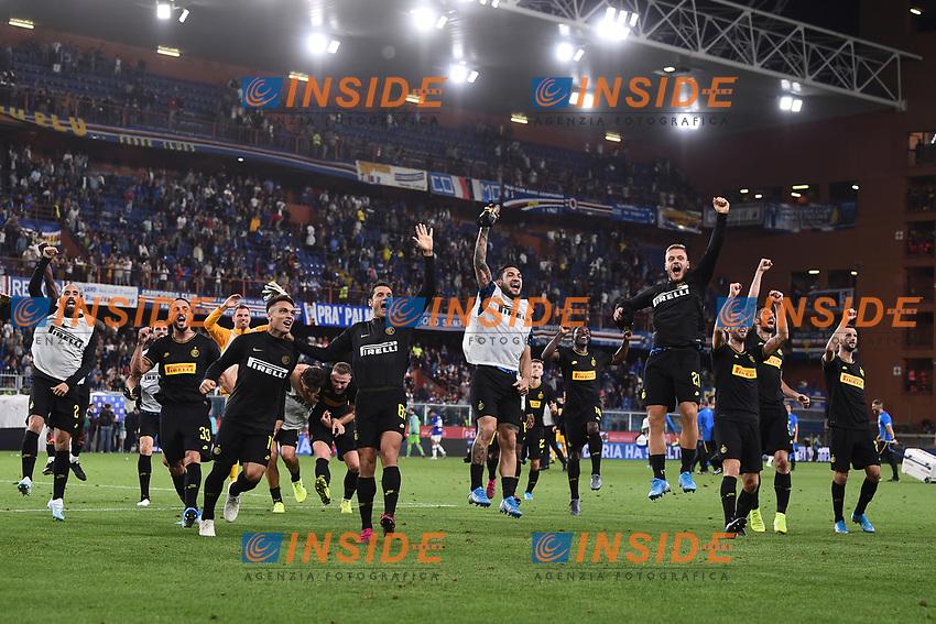 Inter players celebrate at the end of the match <br /> Genova 28-09-2019 Stadio Luigi Ferraris Football Serie A 2018/2019 Sampdoria - FC Internazionale  <br /> Photo Image Sport / Insidefoto