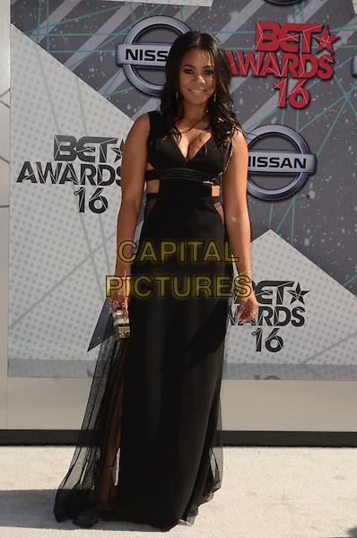LOS ANGELES, CA - JUNE 26: Regina Hall at the 2016 BET Awards at the Microsoft Theater on June 26, 2016 in Los Angeles, California. <br /> CAP/MPI/DE<br /> &copy;DE/MPI/Capital Pictures