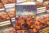 NOV 5 Pete Townshend Book Signing