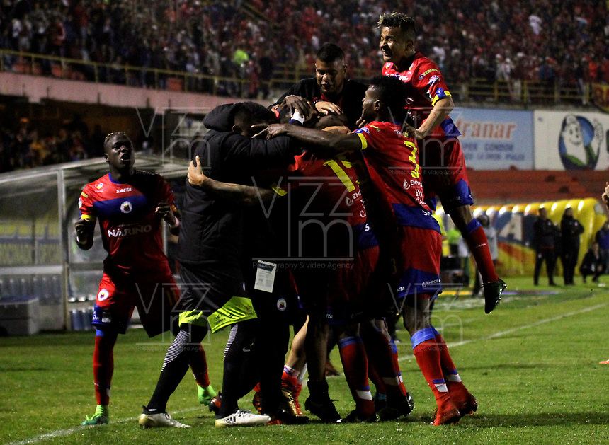 PASTO - COLOMBIA - 24 - 03 - 2018: Los jugadores de Deportivo Pasto celebran el segundo gol de su equipo anotado a America de Cali, durante partido Deportivo Pasto y America de Cali, de la fecha 10 por la Liga Aguila I 2018, jugado en el estadio Departamental Libertad de la ciudad de Pasto.  / The players of Deportivo Pasto celebrate the second goal from their team to América de Cali, during a match Deportivo Pasto and America de Cali, of the 10th date for the Liga Aguila I 2018 at the Departamental Libertad stadium in Pasto city. Photo: VizzorImage. / Leonardo Castro / Cont.