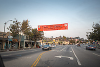 Banner hanging across Colorado Blvd. in Eagle Rock welcoming the Occidental College class of 2020, Aug. 25, 2016.<br /> (Photo by Marc Campos, Occidental College Photographer)