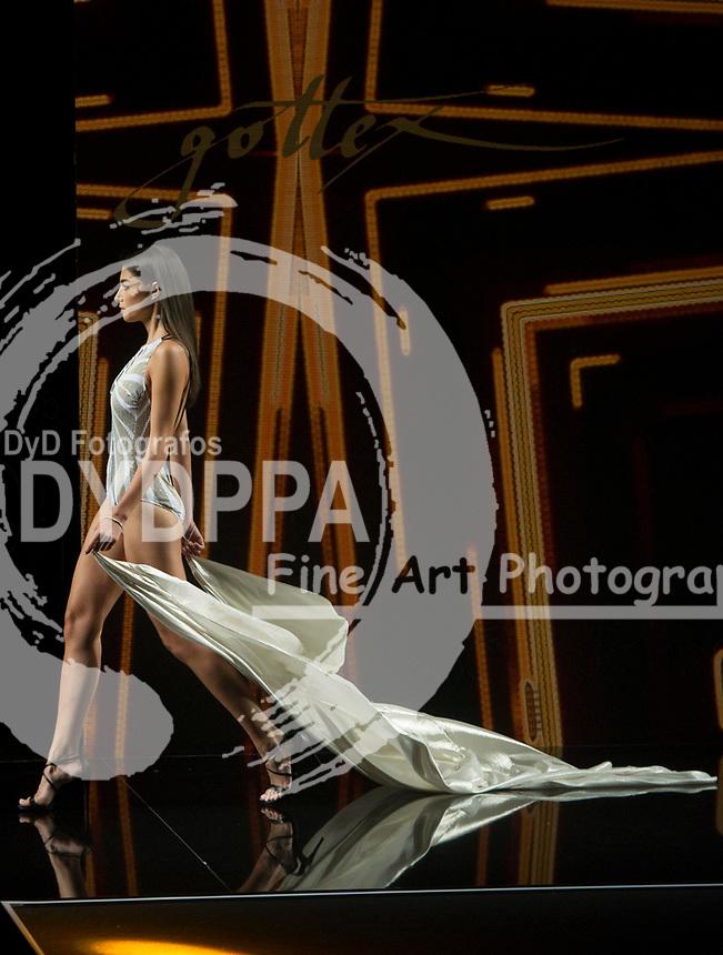 Model Rocio Crusset poses