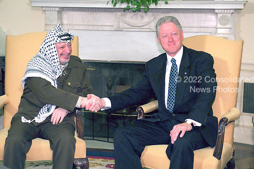 United States President Bill Clinton and Palestinian Authority Chairman Yassir Arafat meet on the Middle East Peace process in the Oval Office at the White House in Washington, D.C. on Thursday, June 15, 2000..Credit: Robert Trippett / Pool via CNP
