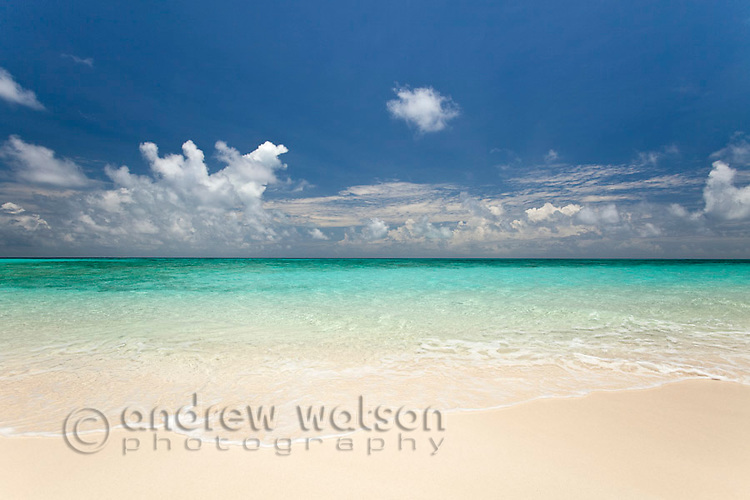 White sand and clear waters of Vlassof Cay - a remote sand cay near Cairns.  Great Barrier Reef Marine Park, Queensland, Australia