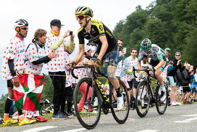 Simon Yates (GBR) Mitchelton-Scott and Gregor Mühlberger (AUT) Bora-Hansgrohe climb Horquette d'Ancizan during Stage 12 of the 2019 Tour de France running 209.5km from Toulouse to Bagneres-de-Bigorre, France. 18th July 2019.<br /> Picture: ASO/Alex Broadway | Cyclefile<br /> All photos usage must carry mandatory copyright credit (© Cyclefile | ASO/Alex Broadway)